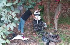 Xe phân khối lớn gãy đôi khi tông xe máy, 3 người thương vong