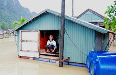Người dân vùng bão lũ sẽ nhận lương hưu, gia hạn thẻ BHYT như thế nào?