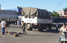 Không chú ý quan sát, tài xế xe tải tông chết 3 người