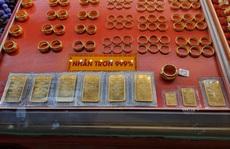 Giá vàng hôm nay 31-10: Tăng giảm dữ dội, đảo chiều đi lên