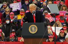 Covid-19: Phát ngôn ngỡ ngàng của Tổng thống Trump nhằm vào giới y tế