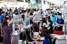 Khách bay tăng trở lại, sân bay Nội Bài tăng cường phòng dịch