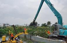 TP HCM thử nghiệm máy vớt rác trên sông
