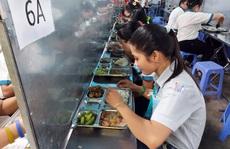 BỮA ĂN CHO CÔNG NHÂN RẤT QUAN TRỌNG (*): Luật hóa bữa ăn giữa ca