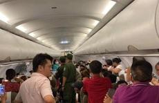 Bàn giao hành khách la hét 'có bom' trên máy bay cho đại sứ quán