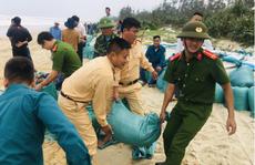 Sáng 15-11, bão số 13 đổ bộ từ Hà Tĩnh đến Quảng Nam