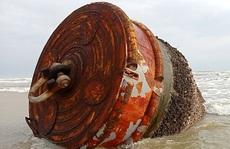 Thêm nhiều 'vật thể lạ' có chữ Trung Quốc trôi vào biển Quảng Nam