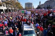 Hàng ngàn người ủng hộ ông Trump đổ về Washington DC