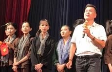 Danh hài Hữu Nghĩa 'khoái' diễn viên trẻ chịu viết kịch bản