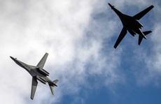 2 máy bay ném bom Mỹ bay vào vùng ADIZ của Trung Quốc