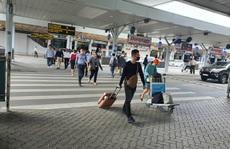 Cần nghiên cứu xây cầu bộ hành hoặc đường hầm kết nối trước ga quốc nội Tân Sơn Nhất