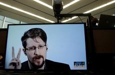 'Người thổi còi' Snowden xin nhập tịch Nga để… đời con bớt khổ