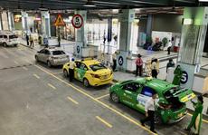 """Yêu cầu xử lý nghiêm tài xế taxi """"chê khách gần"""", """"làm giá"""" ở sân bay Tân Sơn Nhất"""