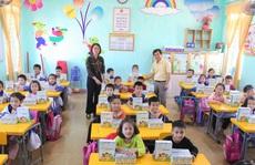 Vinasoy hỗ trợ học sinh vùng bão lũ tới trường