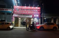 Truy bắt kẻ bịt mặt, cầm hung khí xông vào ngân hàng ở Đồng Nai hô to 'lựu đạn đây'