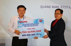 Báo Người Lao Động trao 50.000 lá cờ Tổ quốc và 1,7 tỉ đồng cho miền Trung