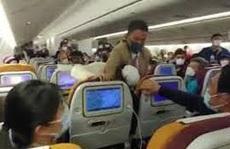Xử phạt nam hành khách đốt giấy khiến máy bay phải dừng cất cánh khẩn cấp