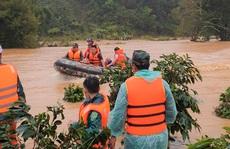 Tìm thấy túi xách và điện thoại của 2 du khách bị lũ cuốn mất tích ở Lâm Đồng