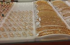 Giá vàng hôm nay 6-11: Thế giới tăng tới 1,3 triệu đồng/lượng, trong nước 'thận trọng' tăng theo