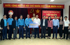 Tổng LĐLĐ Việt Nam hỗ trợ người dân bị thiệt hại do lũ lụt ở Hà Tĩnh