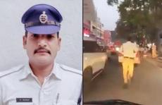 Ấn Độ: 'Tan chảy' trước anh cảnh sát chạy bộ 2 km mở đường cho xe cấp cứu
