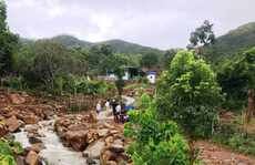 Khánh Hòa: 3 cha con tử nạn vì bị nước lũ cuốn trôi