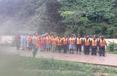 Đã liên lạc được nhóm khách TP HCM bị kẹt trên núi ở Khánh Hòa