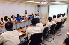 Công ty CP Taekwang Vina Industrial tặng vàng cho người lao động