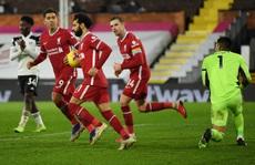 Liverpool may mắn thoát thua đội bóng mới lên hạng