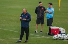 HLV Park Hang-seo: Thể lực và sức mạnh cầu thủ Việt Nam hơi yếu
