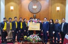 Công Phượng trao 185 triệu đồng hỗ trợ người dân miền Trung