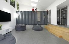 Nhà 50 năm tuổi được mở rộng bằng container