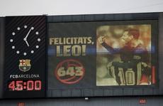 Messi bắt kịp kỷ lục 'vua' Pele, Barcelona đánh rơi chiến thắng