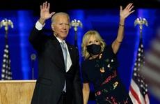 Vì sao ông Biden và bà Harris không tiêm vắc-xin Covid-19 cùng lúc?