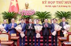 Thủ tướng phê chuẩn kết quả bầu và miễn nhiệm 5 phó chủ tịch Hà Nội