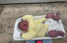 Sản phụ 40 tuổi sinh bé trai sơ sinh nặng gần 6 kg