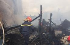 Hỏa hoạn dữ dội khiến 4 căn nhà cháy rụi hoàn toàn ở Lâm Đồng
