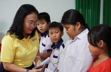 Trao 100 suất học bổng cho con em gia đình chính sách tại Đồng Tháp