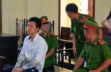 Trả giá đắt vì nhận USD để vận chuyển 11 sừng tê giác về Việt Nam