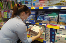 Siêu thị Việt tặng khẩu trang kháng khuẩn cho khách hàng thành viên