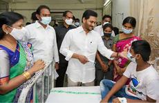 Bệnh lạ ở Ấn Độ làm hàng trăm người nhập viện