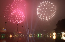 Hà Nội: Đề xuất bắn pháo hoa tầm cao dịp Tết Dương lịch 2021