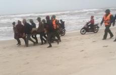 Quảng Bình: 3 tàu cá gặp nạn, 1 thi thể ngư dân rơi xuống biển đã được tìm thấy