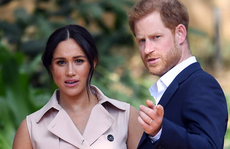 Vợ chồng hoàng tử Harry quyết chí ra riêng vì 'có rất nhiều tổn thương'?