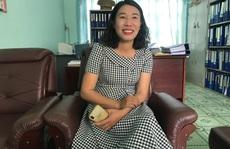 CLIP: Cô giáo tự sáng tác và ngâm bài thơ 'Đất nước trong tim' gây sốt cộng đồng mạng