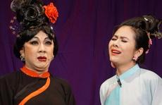 Khán giả đeo khẩu trang xem 'bà Tú' Thành Lộc diễn
