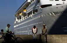"""Du thuyền bị """"hắt hủi"""" vì dịch Covid-19 gây hỗn loạn ở biển Caribbe"""