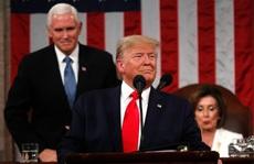 Mở đầu thông điệp liên bang Mỹ, Tổng thống Trump không bắt tay bà Pelosi