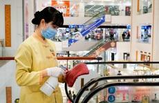 Đề nghị siêu thị, trung tâm thương mại nghiên cứu phát khẩu trang miễn phí cho khách