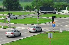 Cần giám sát chặt việc đào tạo lái xe